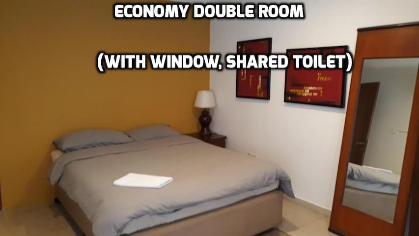 City Central Double Room (Shared Toilet)