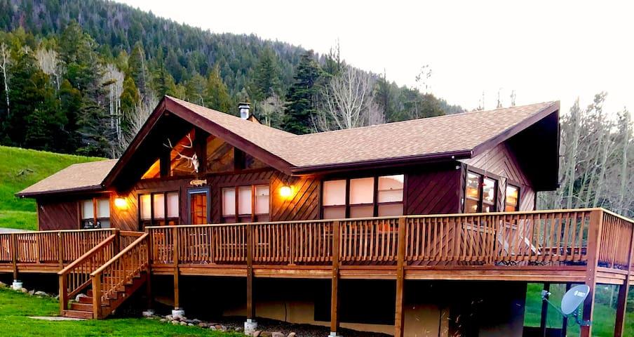 Dos Hermanas Mountain Retreat
