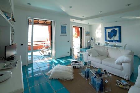 La casa Azzurra sul mare di Calapiccola - Cala Piccola