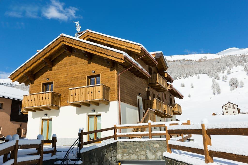 Chalet nuova costruzione 2016 appartamenti in affitto for Piani di casa chalet sci