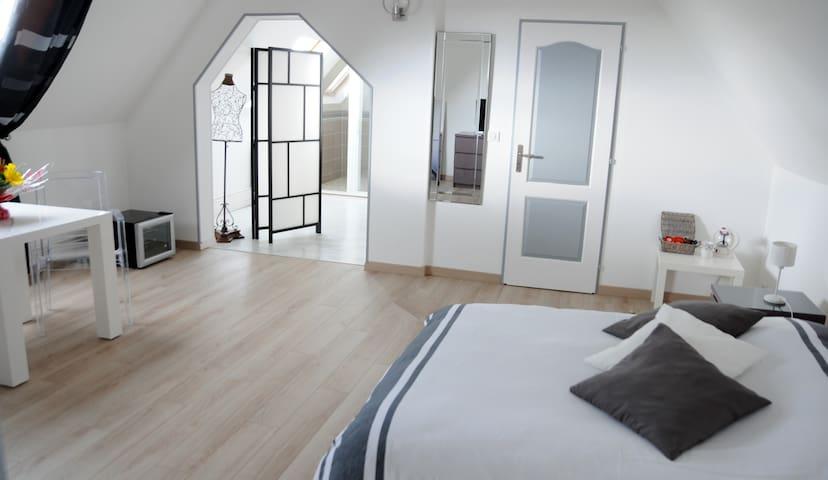 Chambres d'hôtes à 20 mn de Rouen   - Estouteville-Écalles - Bed & Breakfast