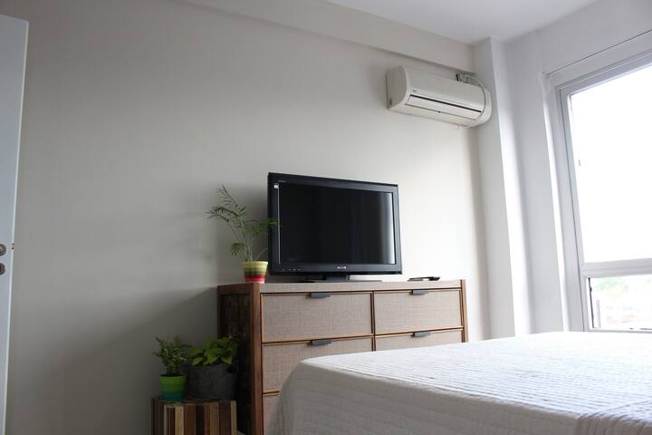 Cozy bedroom in a new apartment - Buenos Aires - Daire