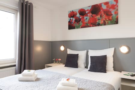 Twin room. Hotel Dupuis, Valkenburg Centre - Valkenburg - Boutique hotel