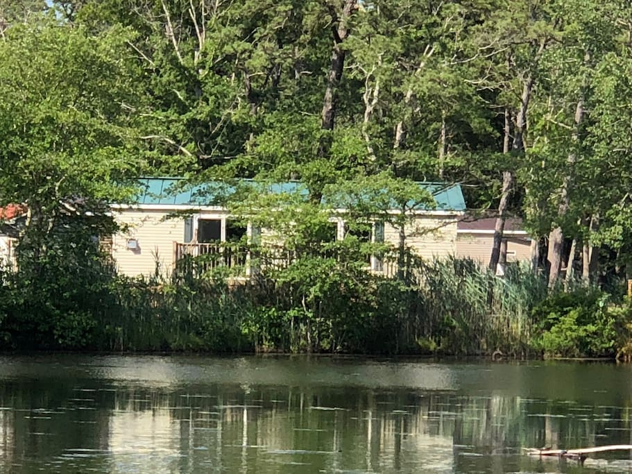 Water access for fishing or kayaking , paddle boat and kayak available for daily rent