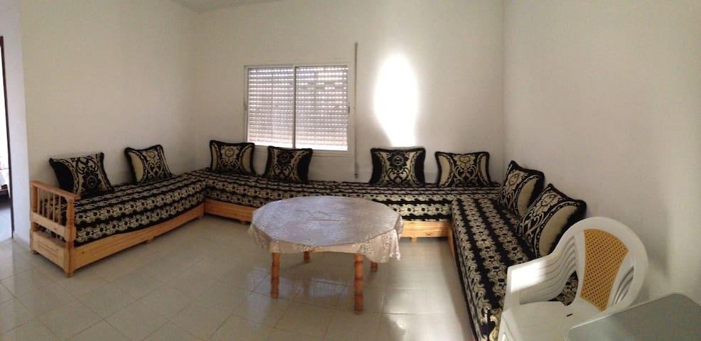 SAIDIA Appartement climatisé 6 couchages 800M mer