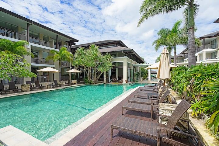 ❤ Gorgeous Resort Unit - Walk to the beach ❤