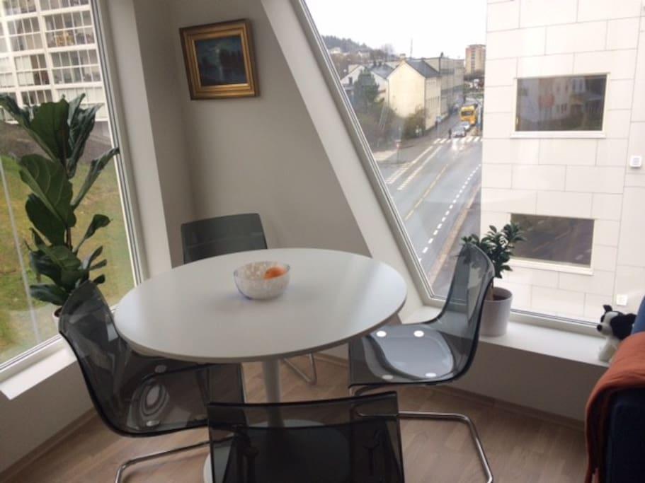 Spisebord med utsikt