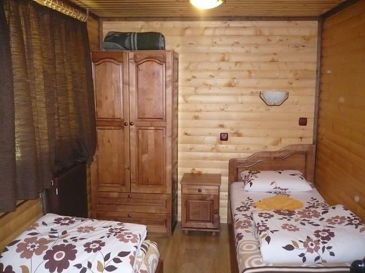 Самостоятелен апартамент във вила
