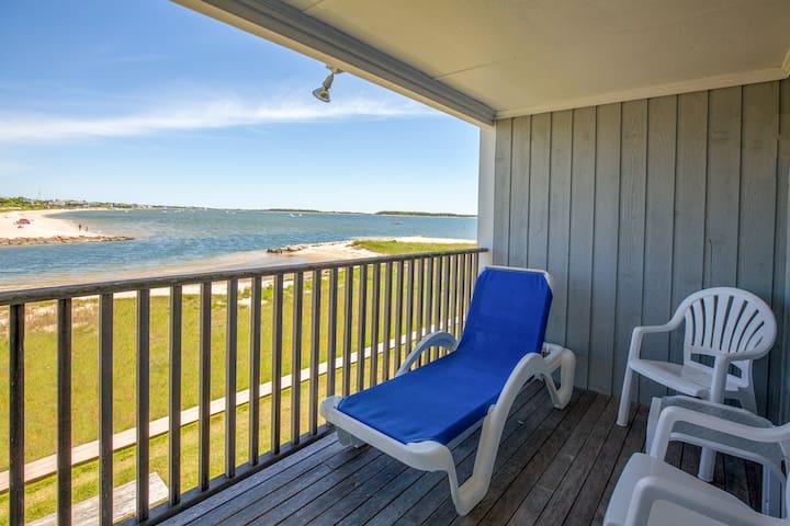 2 Bedroom Ocean View Apartment Unit B