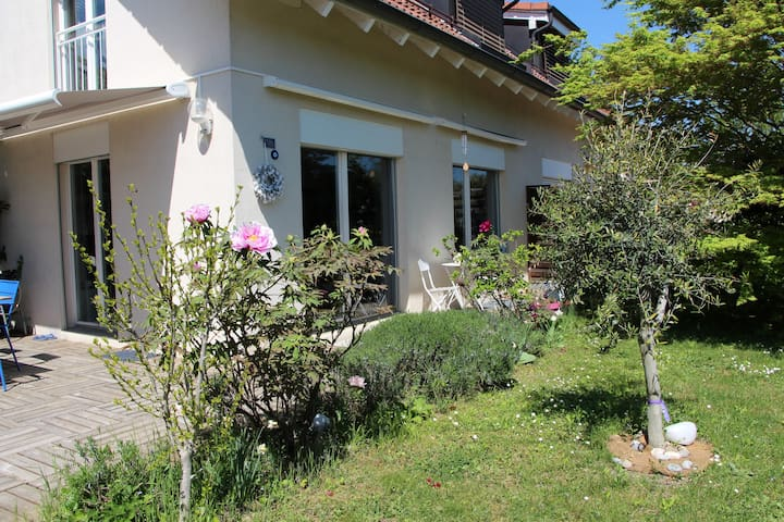 Charming bright house in Rolle