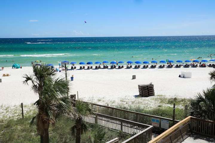 Discounted rate-Gulf front-White sand beach!