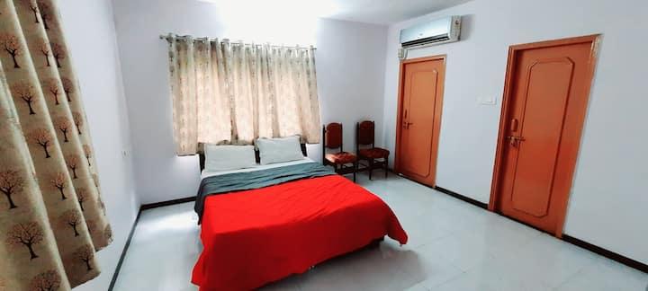 Surat Homestay Villa. (1 AC Room.)