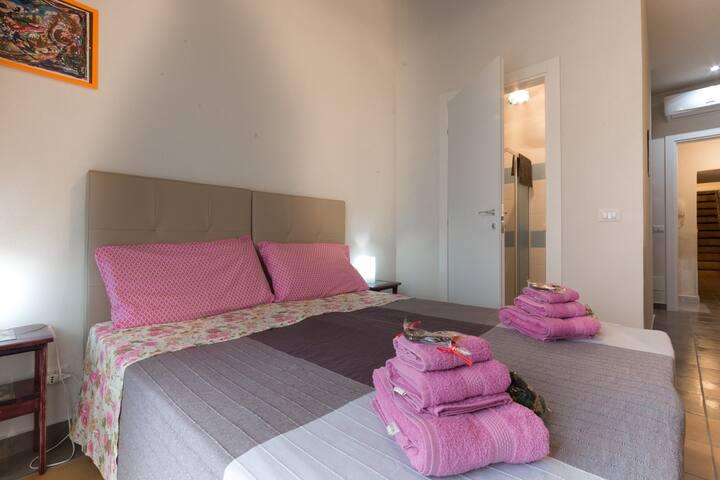 camera da letto matrimoniale/doppia 1° piano