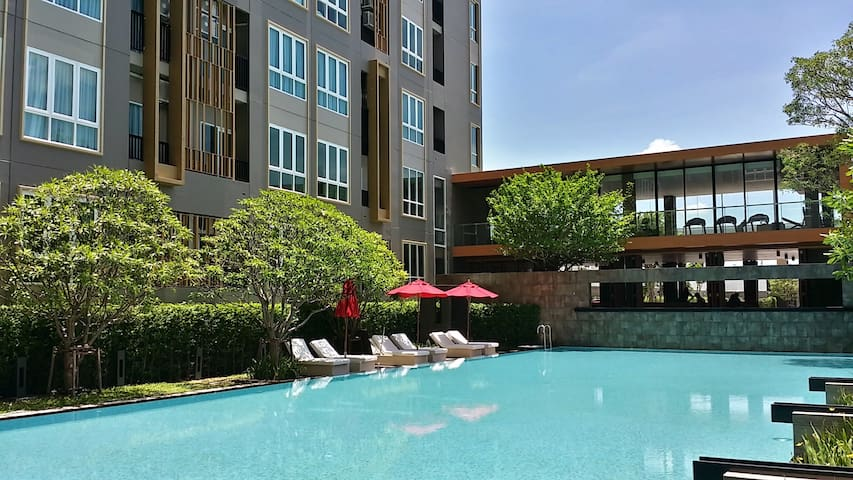 Full-furnished room 4m. walk to BTS - Bangkok - Appartement