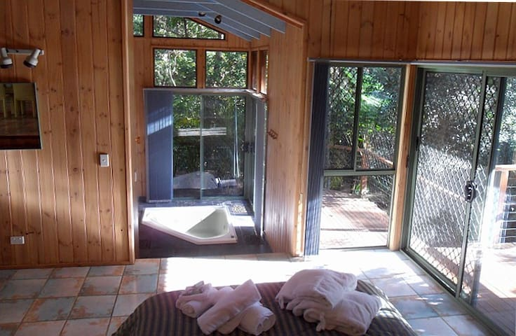 Dreamtime Cabin Treetops Montville - Flaxton - Chatka
