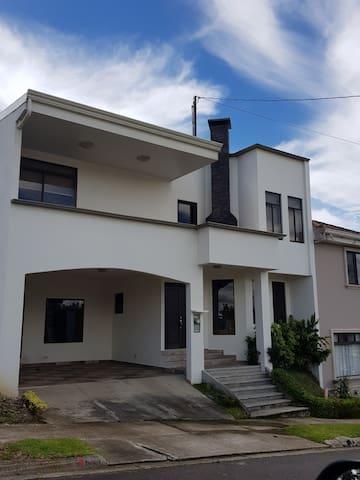 Cartago Casa