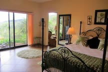 Luxury bed, stunning gardens, best views in Boquete!
