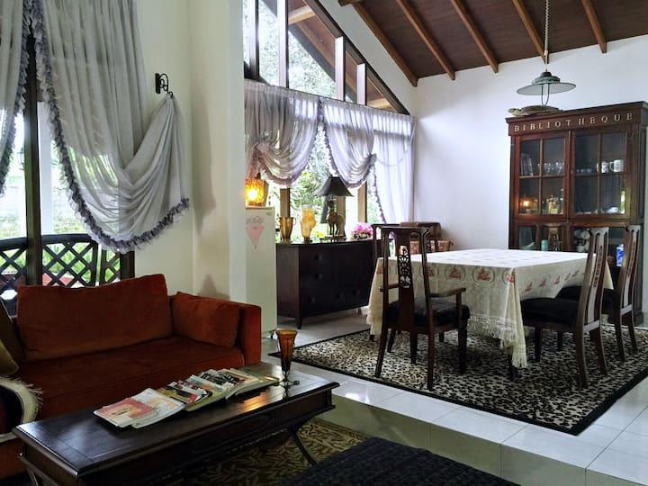 Holiday Home Puncak Cipanas 5BR Villa