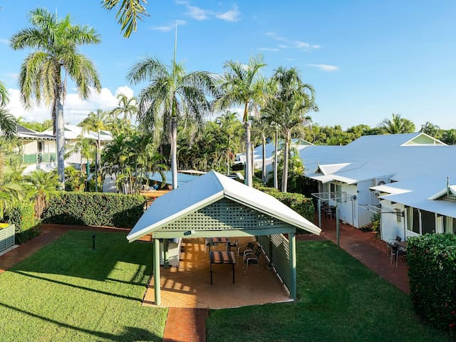 Cable Beachside Villa - 3 Bedroom Spa