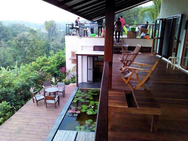 3 Bedroom Mountainside Paradise - Tambon Mae Raem - Hus