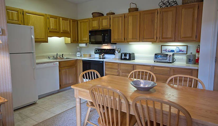 Awesome 2BR family resort come 2Smugglers Notch!!