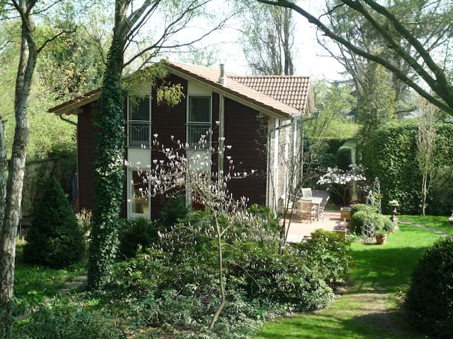 Gästehaus im Park in Berlin-Pankow - Berlín - Casa