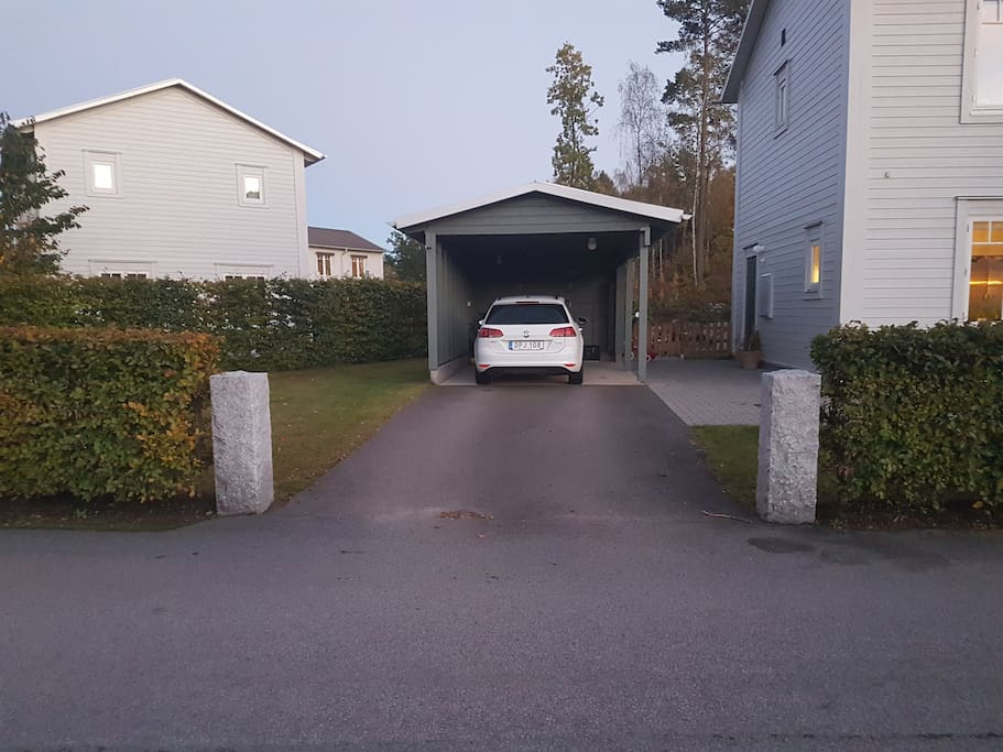 If you arrive with a car, no problem, we have plenty of space=)