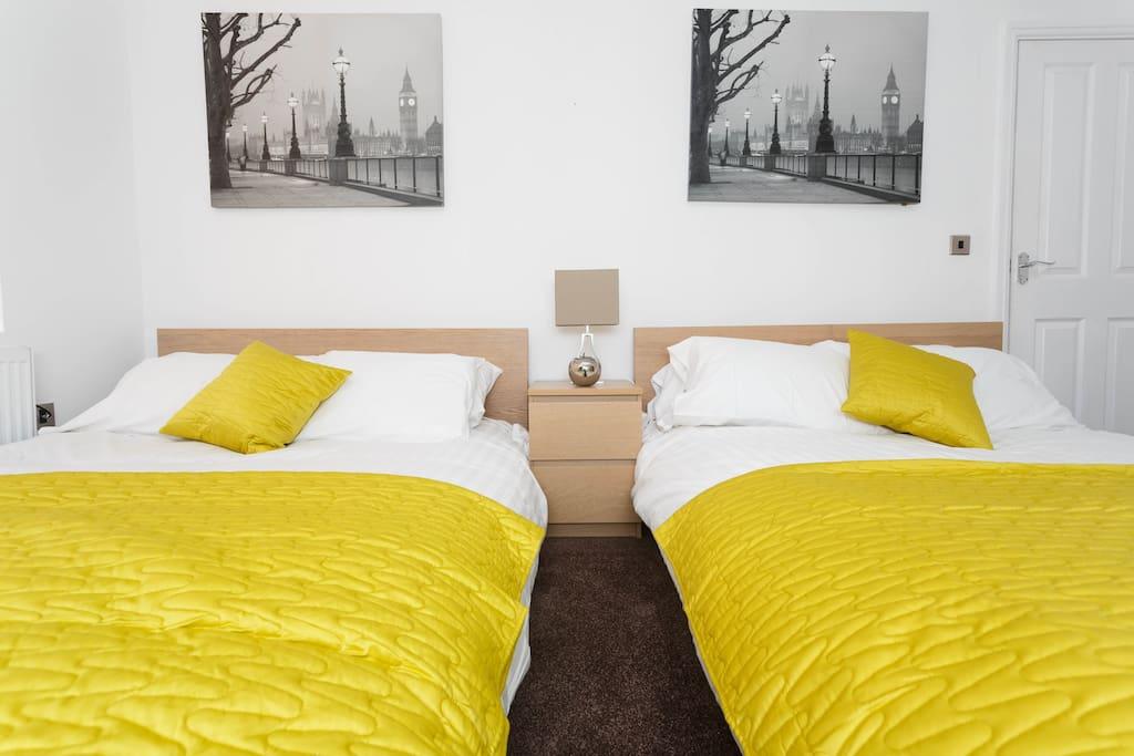 2 double beds with a en suite