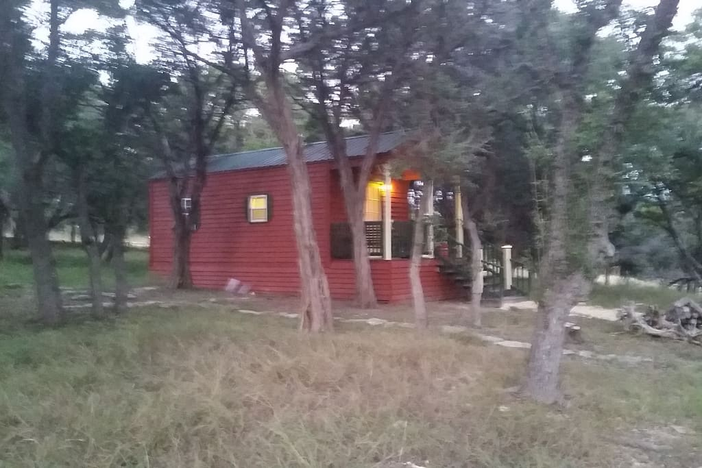 Charming cabin in the woods chalet in affitto a boerne for Costruttori di case in stile ranch in texas