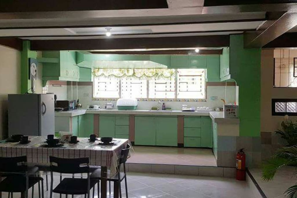 Common area kitchen and dinning room