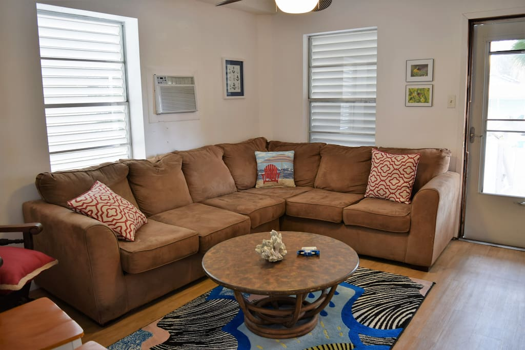 Couch, Furniture, Indoors, Living Room, Room