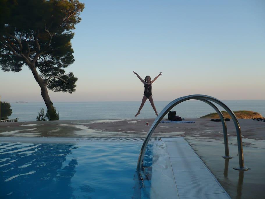 Pool Athena