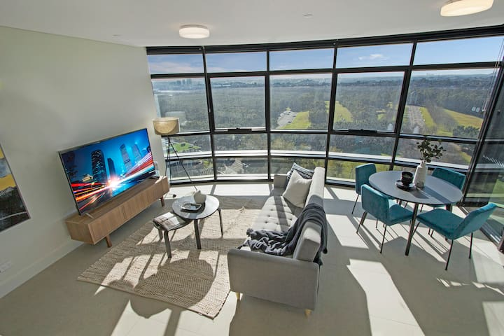 Sydney OlympicPark Stunning 2Br + City Park Views