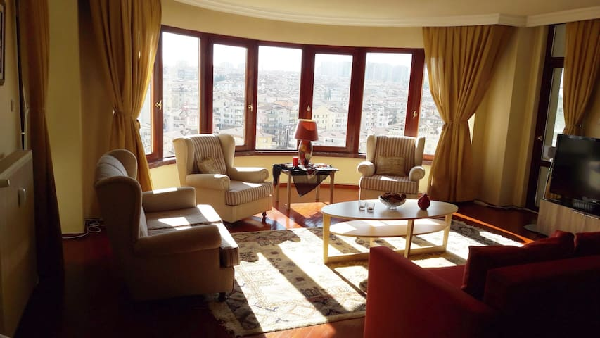 Bright spacious cozy safe apartment and nice view - Çankaya - Appartement