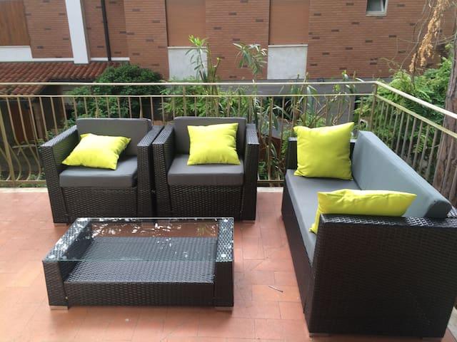 Villa Bianca - primo piano con 2 terrazze - Marina Romea - Apartamento