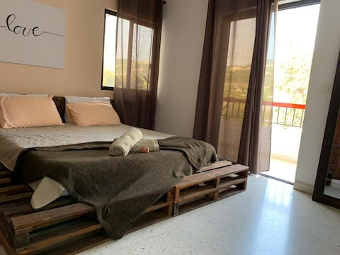 Zalfa Guest House - Batroun - Love Room