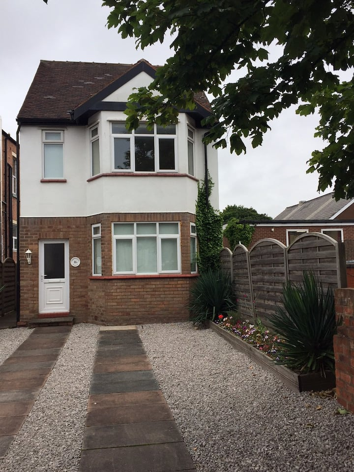 Entire House, Southport Centre, Sleeps 5