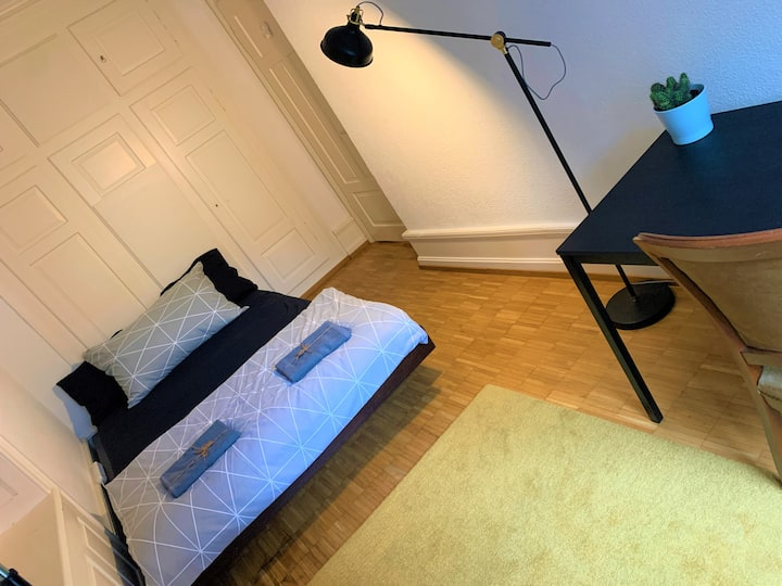 Bright double room in the heart of Zurich