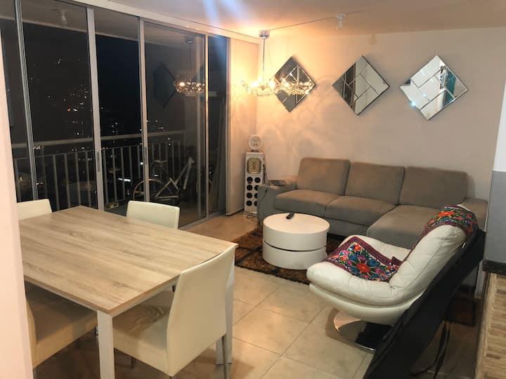 Habitación individual y cómoda / Apto nuevo P21