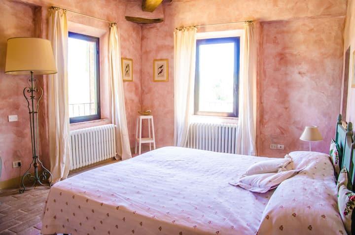 Perusia, 2p ruime slaapkamer met privé badkamer