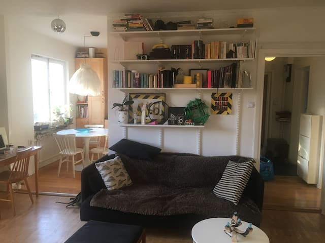 Bright cozy room in Stockholm!