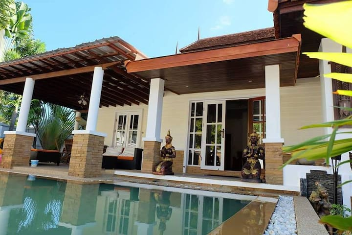 3 bed Villa with in ground pool