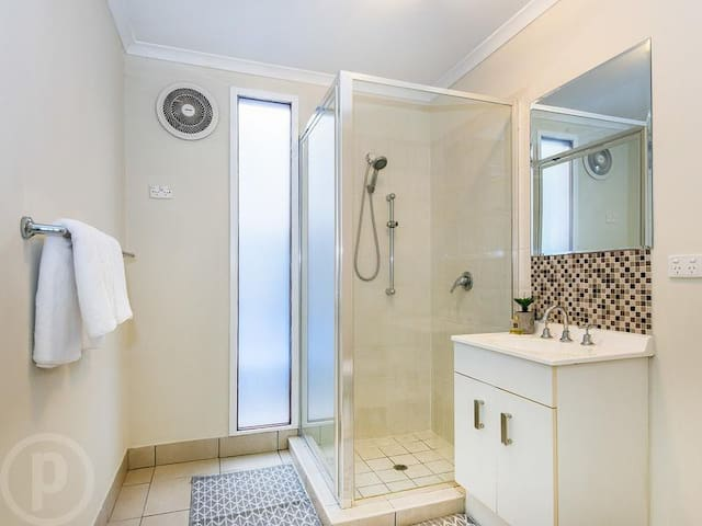 Quiet oasis in self contained unit - Coorparoo - Dom