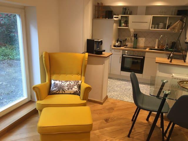 Moderne Souterrain-Wohnung im Bremer Viertel