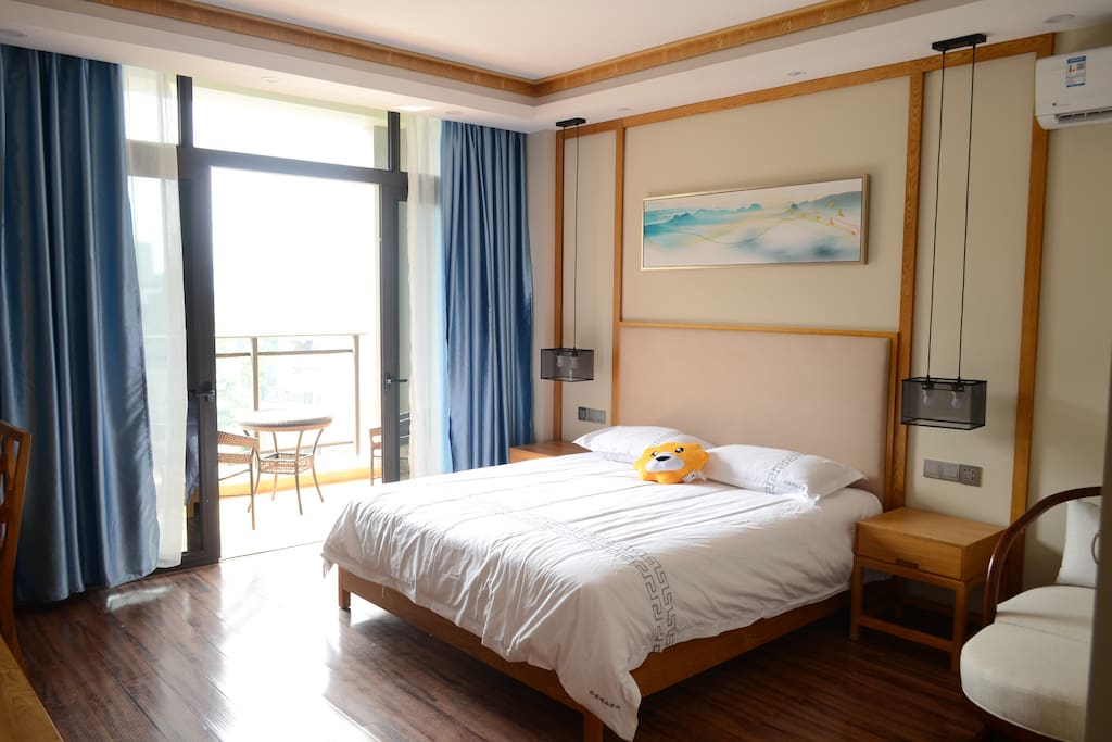 阳光大床房2