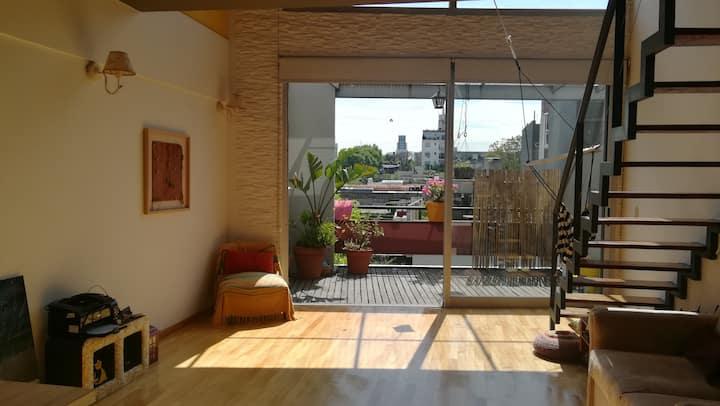 Cozy triplex w/terrace garden in Palermo Soho!