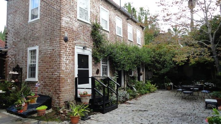 86 Church Street kitchen house