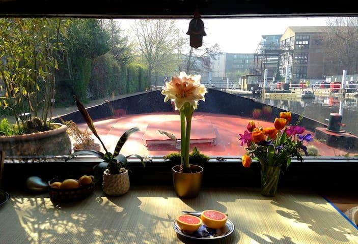 Beautiful restored 1908 Dutch barge - Londres - Barco