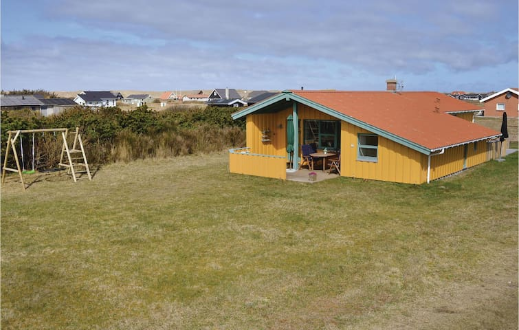 Holiday cottage with 4 bedrooms on 90 m² in Harboøre