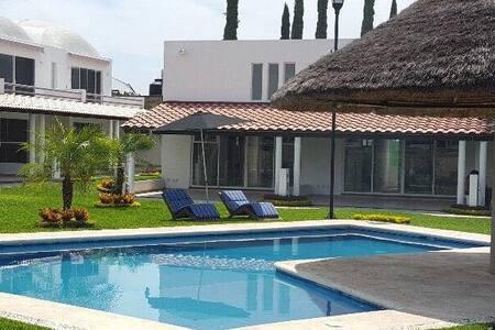2 Alberca Climatizada Residencial Paraiso Cocoyito